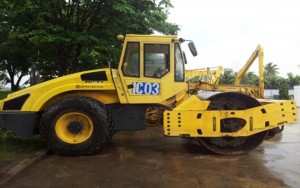 COMPACTOR BOMAG BW216D